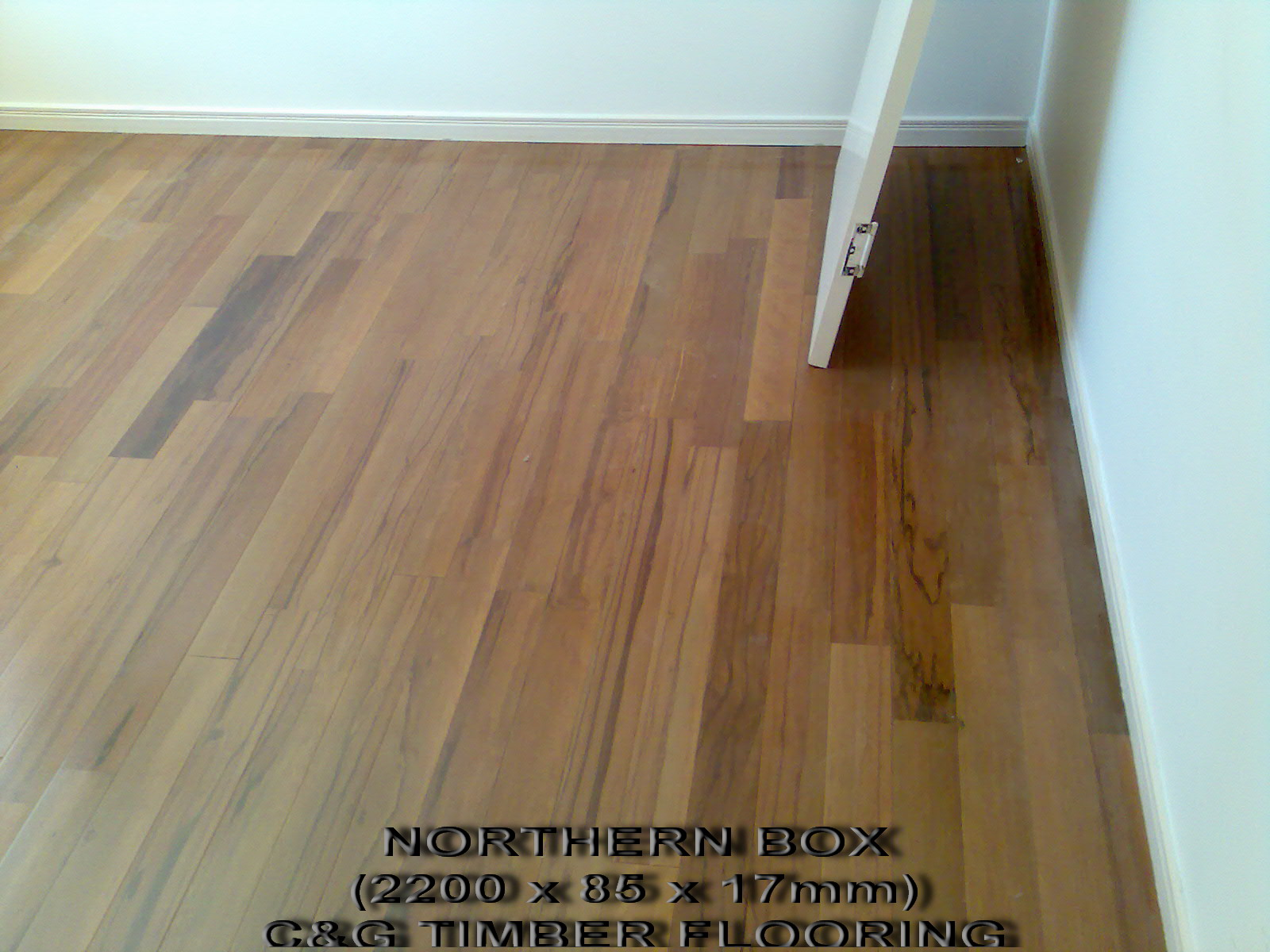 Laminate flooring laminate flooring clearance prices for Laminate flooring clearance